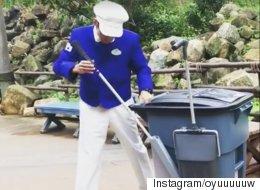 도쿄 디즈니랜드의 멋짐이 폭발하는 청소부