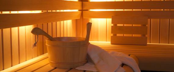 deux femmes meurent enferm es accidentellement dans un sauna. Black Bedroom Furniture Sets. Home Design Ideas