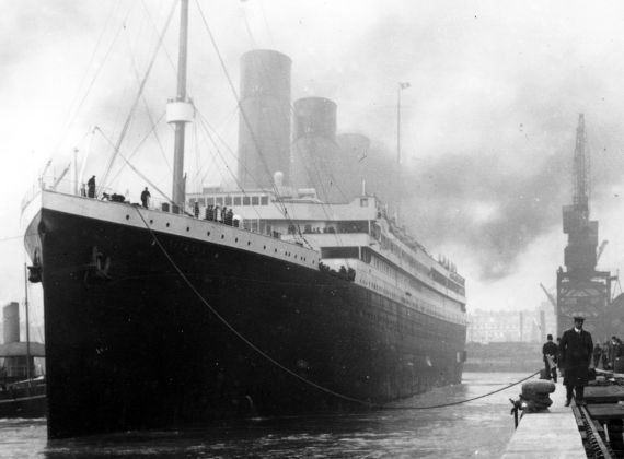titanic universal history archive