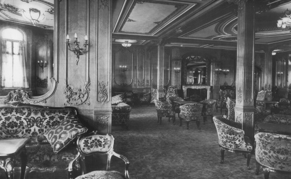 titanic the first class lounge on board