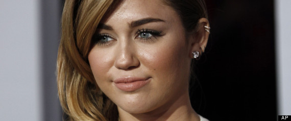 MILEY CYRUS TWITTER ATTACK