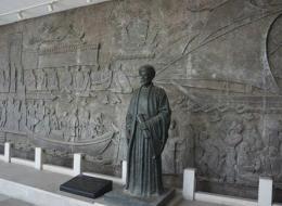 عمدة طنجة المغربية يطلب فتوى من المجلس العلمي لإقامة تمثال لابن بطوطة في المدينة.. هكذا يُبرر الأمر