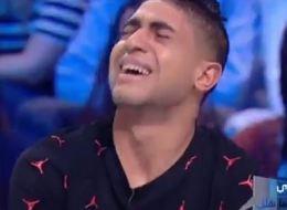 شاهد.. شاب تونسي يتوسل أمه المريضة لتأخذ كليته.. أبكى من شاهده في البرنامج التلفزيوني