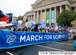 지구의 날, 과학을 위한 행진에서 본 재미난 피켓