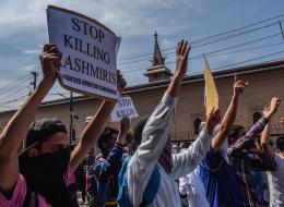 بسبب 16 بقرة.. هندوس يعتدون على أسرة مسلمة بقضبان حديدية