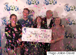 Un couple de Montréal remporte le gros lot de 55 M $ au Lotto Max