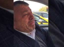 مقطع فيديو لتركي اصطحب أكاديمياً سعودياً في سيارته فبكى وأبكاه بسبب حال المسلمين.. هكذا تأثر رواد الشبكات الاجتماعية