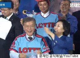 박영선은 요즘 미소가 끊이질 않는다