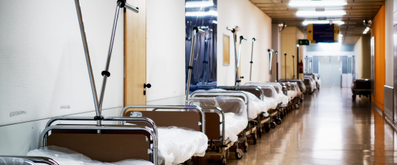 29 j hriger schleicht sich in krankenhaus zimmer und. Black Bedroom Furniture Sets. Home Design Ideas