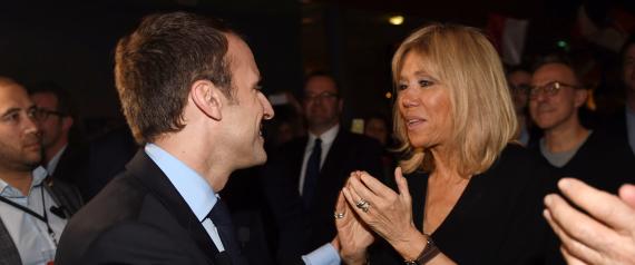 EMMANUEL MACRON KISSES HIS WIFE