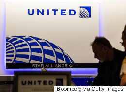 유나이티드항공이 강제로 끌어낸 승객과 합의했다