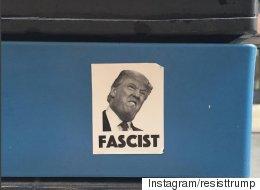 뉴욕의 '반 트럼프' 스티커는 이렇게나 많았다