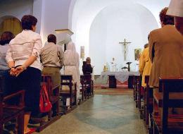 معتنقو المسيحية في المغرب يخرجون من الظل.. مرتدّون عن الإسلام يطالبون بممارسة معتقداتهم في العلن