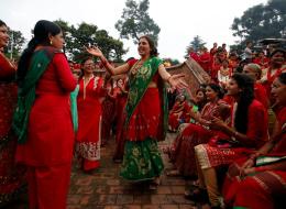 لماذا تُجبر النساء في نيبال على مغادرة بيوتهن أثناء الحيض؟!