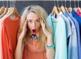 طي الملابس الجلدية وتعليق الحقائب بهذه الطريقة .. 9 تصرفات يومية تُفسد بها ملابسك