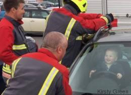 Ce petit s'est embarré dans la voiture et a eu le plus beau jour de sa vie