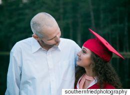 Atteint d'un cancer, il organise une séance photo pour vivre les moments qu'il manquera avec ses enfants