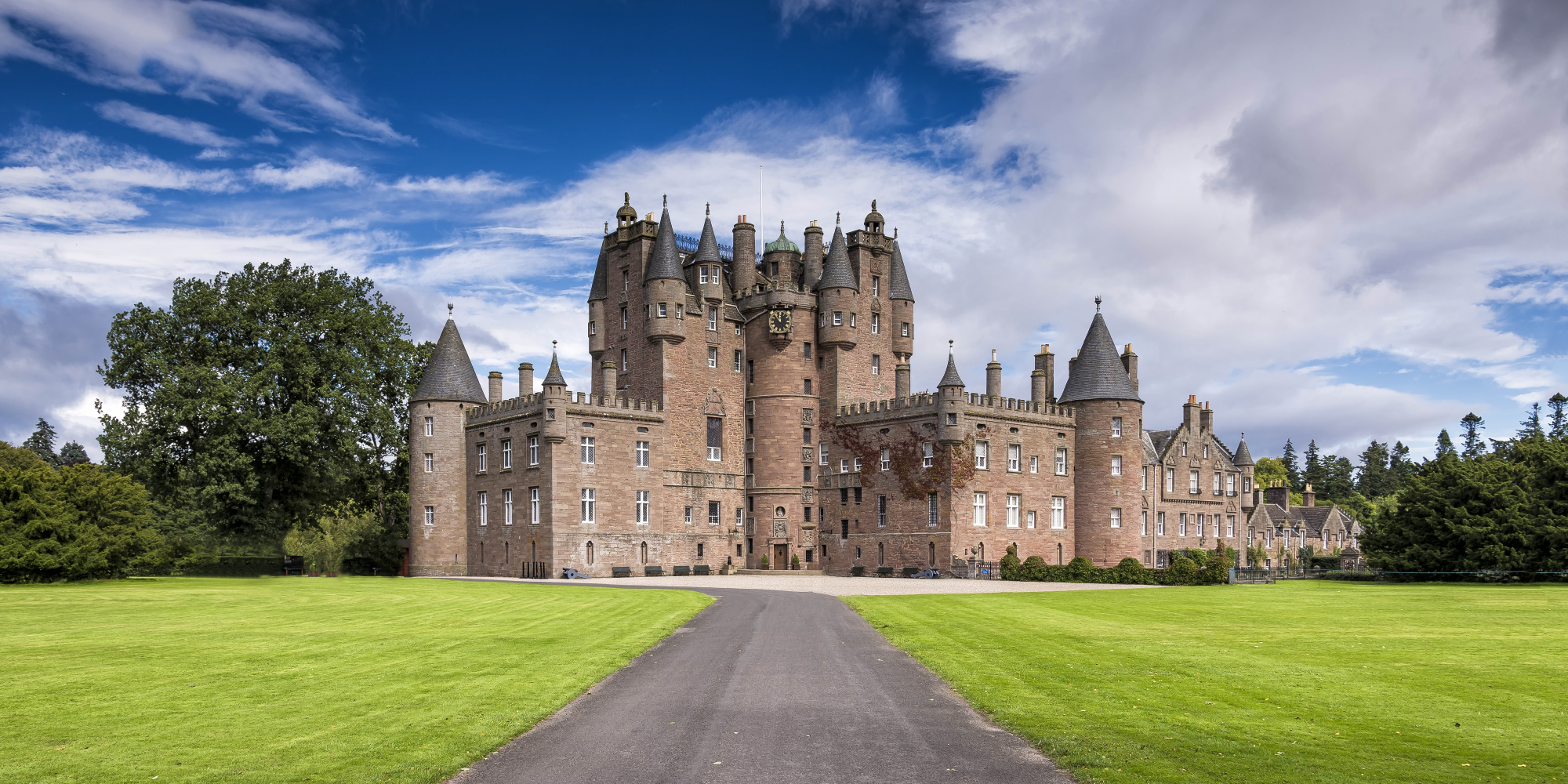 Balmoral-Castle-Scottish-Home-to-the-Royal-Family