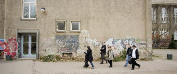 SCHOOL BUILDING BERLIN