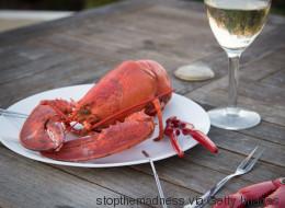 Au menu pour la fête des Mères: du homard et du bon vin!