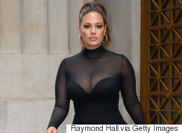All Women Need To Know About Ashley Graham's Strapless Bra Tip