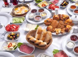 مهرجان خاص للإفطار التركي.. هذا ما يقدمه