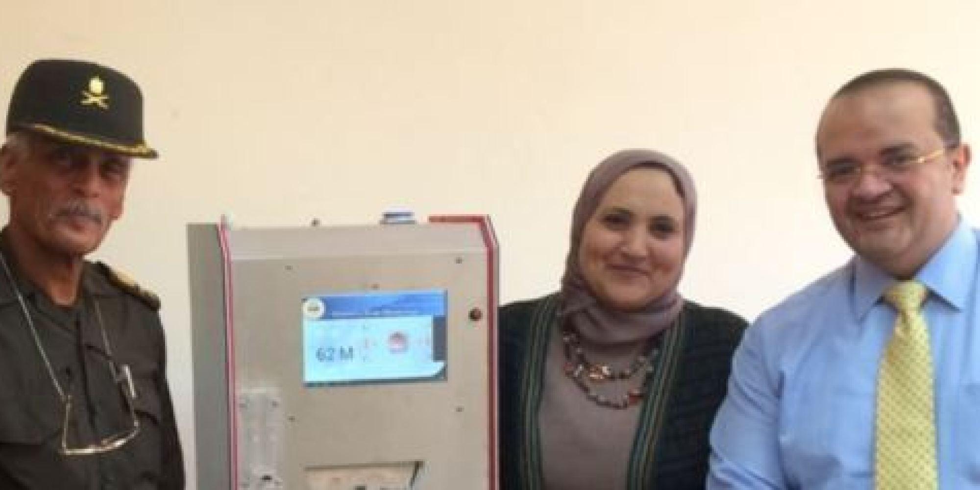 بعد إيقاف النقابة 3 أطباء عن العمل لترويجهم  لـ جهاز الكفتة .. هذا مصير مخترع الجهاز المصري!