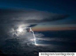 어느 파일럿이 찍은 구름 위 세상의 신비한 풍경들(사진)