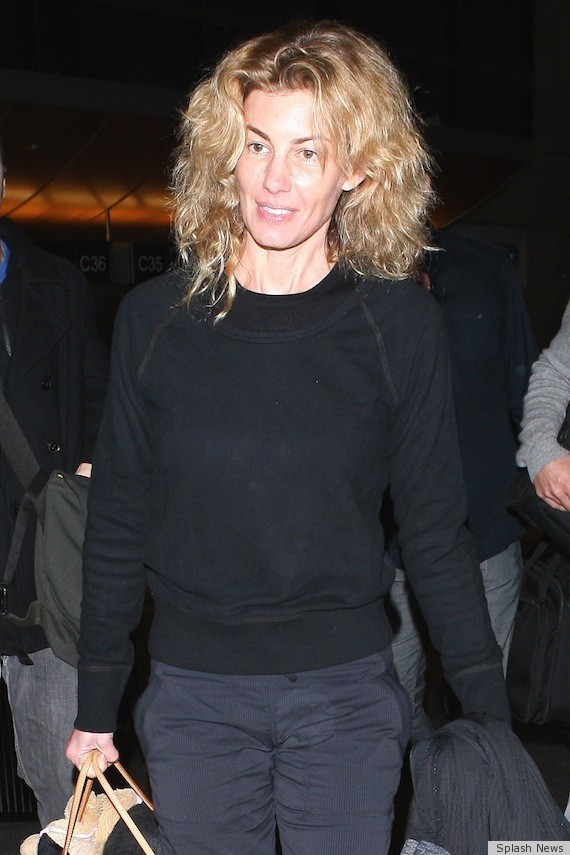 Faith hill without makeup hardly recognizable photos for How old are faith hill s daughters