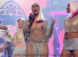 Wer Chers Auftritt bei den Music Awards sieht, wird erstaunt sein, wie alt sie mittlerweile ist