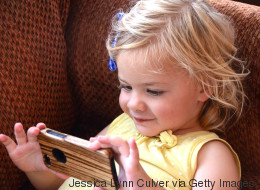 Was mit Kindern passiert, die vor dem zweiten Lebensjahr mit dem Smartphone spielen