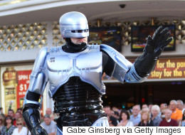 «Robocop» στο Ντουμπάι: Αστυνομικό ρομπότ θέτουν σε υπηρεσία οι αρχές