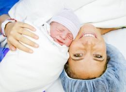 ولادة اللوتس: أمهات يتركن أطفالهن متصلين بالمشيمة بعد الولادة عدة أيام وأطباء يحذرون من مخاطرها