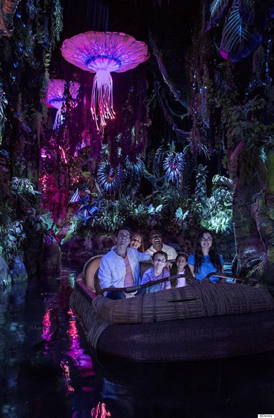 Avatar Where Bioluminescent Rainforests And Massive Floating Mountains Are A Tangible Reality Here Four Reasons Why You Should Drop Everything