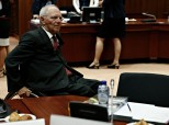Handelsblatt: Διαφαίνεται συμβιβασμός μεταξύ Σόιμπλε και ΔΝΤ