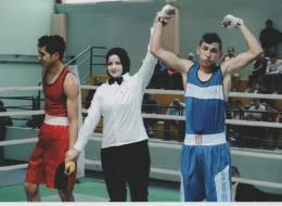 تونسية تحدَّت قيود مجتمعها.. أول عربية محجبة تقتحم مجال التحكيم الدولي في الملاكمة الرجالية