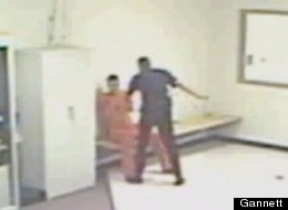 SHOCKING JAILHOUSE BEATING VIDEO: Inmate Attacked By Top Cop