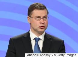Ντομπρόβσκις: Καίριο να συμφωνήσουμε για τη βιωσιμότητα του χρέους