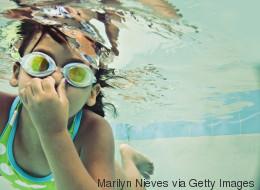 Chlorgeruch im Schwimmbad: Wenn ihr den Grund kennt, duscht ihr euch nicht nur nach dem Baden