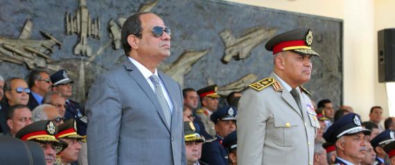 الجيش المصري يقصف مواقع عسكرية