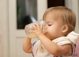 Was mit Kindern passiert, die oft Fruchtsaft trinken