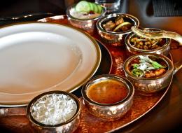 الفيمتو مشروب بريطاني والسمبوسة من الهند.. أصول أشهر الأطباق على مائدة رمضان بالخليج