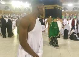 أمّه علمته الإسلام وقال غزلاً في الكعبة عندما زارها.. إليك قصة اللاعب الأغلى في العالم