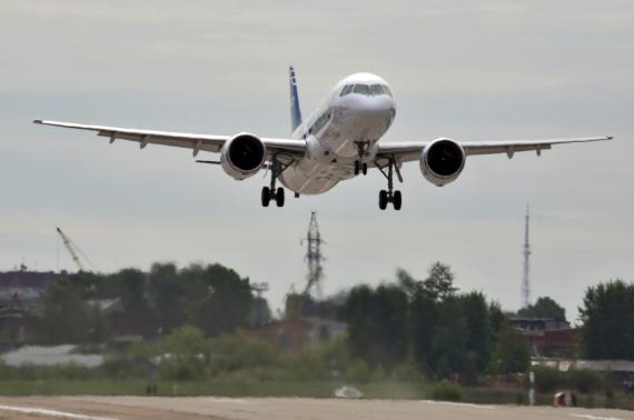 كلما ارتفعت في الجو زاد معدل الأمان لديها.. حقائق لا تعرفها عن عالم الطائرات O-PLANE-570