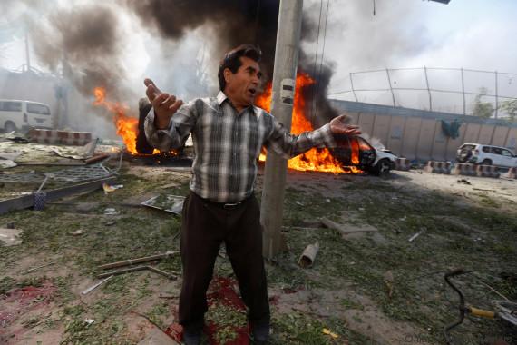 Afghanistan: une voiture piégée fait de nombreux morts dans le quartier des ambassades de Kaboul