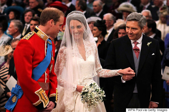 kate middleton wedding hands
