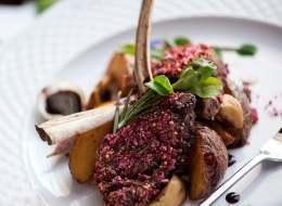 ما رأيك بطبق مغربي على الإفطار؟ تعلمي طبخ الريش بالبطاطس المشوية في 3 دقائق