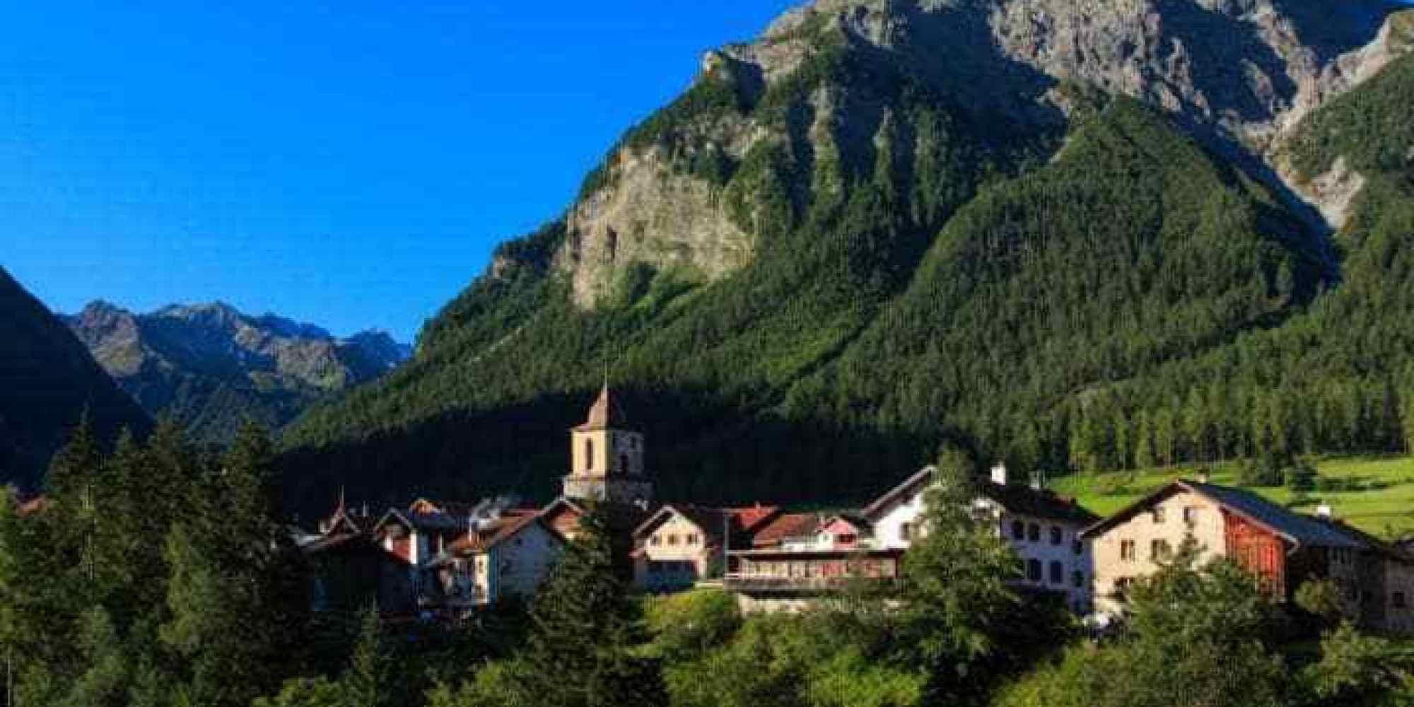 قرية بيرجون السويسرية