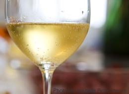 Το καλύτερο κόλπο για να κρατήσετε το κρασί παγωμένο χωρίς να χρησιμοποιήσετε παγάκια