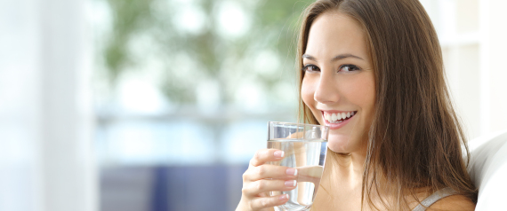 هل الماء له طعم نستطيع تذوقه؟